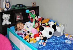 How Does She Sleep!? DIY Stuffed Animals Storage