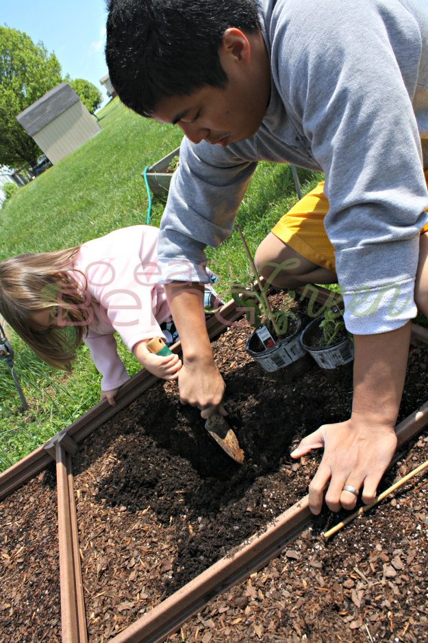 fatherdaughterplanting