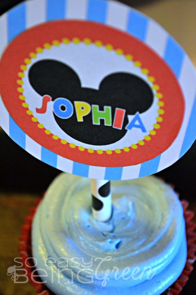 cupcake with blue icing with sophia name on mickey mouse birthday printable