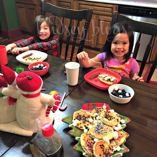Girls at Elf on Shelf Breakfast