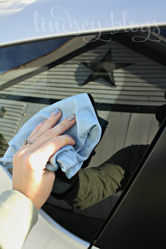 Cleaning Car Windows with Vinegar