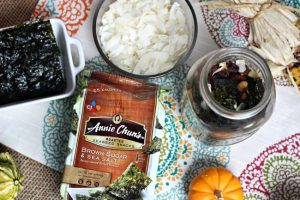 Healthy Snack Mix featuring Annie Chuns Roasted Seaweed Snacks