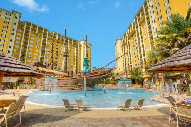 lake-buena-vista-resort-village-spa-pool