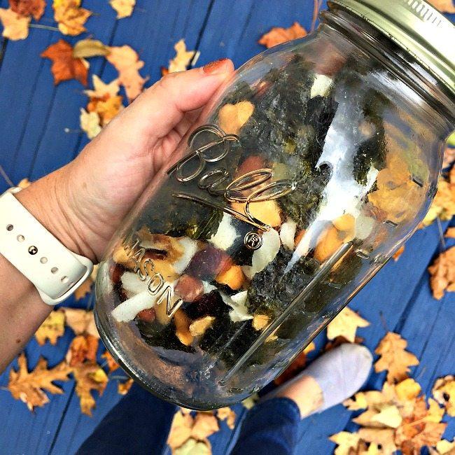 healthy-snack-mix-mason-jar