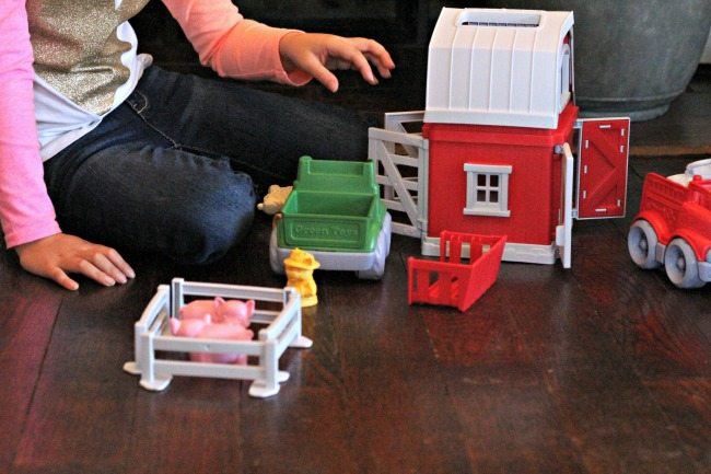 green-toys-farm-playset