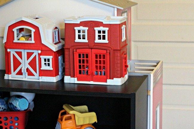 green-toys-playset-storage