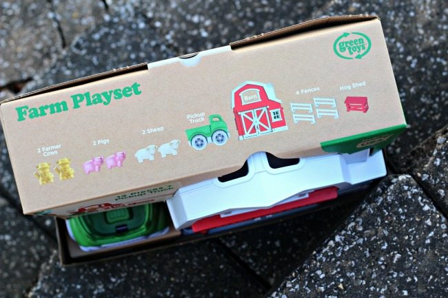 green-toys-playset-toys