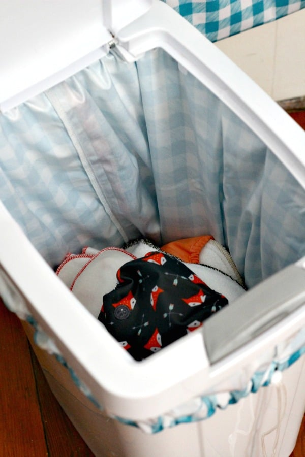 Storing dirty cloth diapers