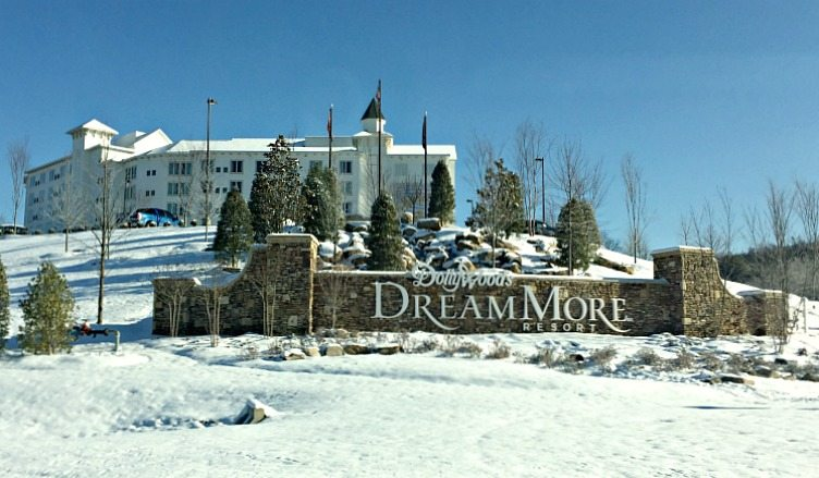 Dollywood DreamMore Resort Snow