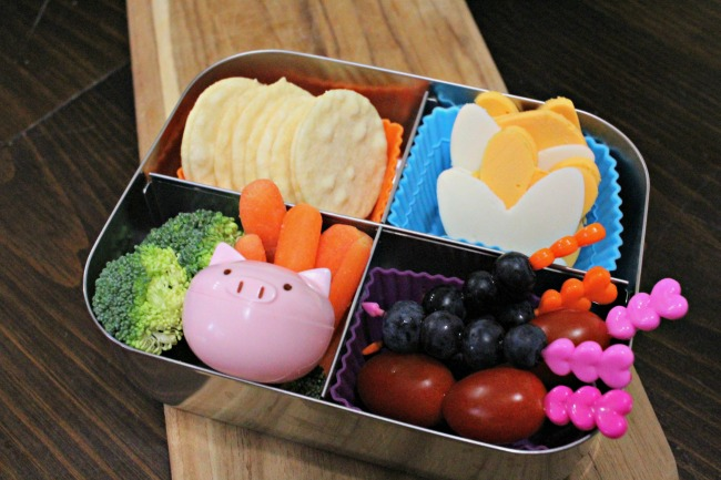 Healthy kids lunch in bento box