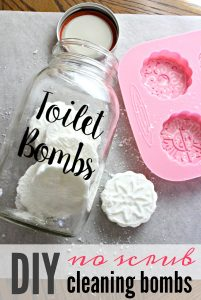 DIY no scrub cleaning bombs for your toilet