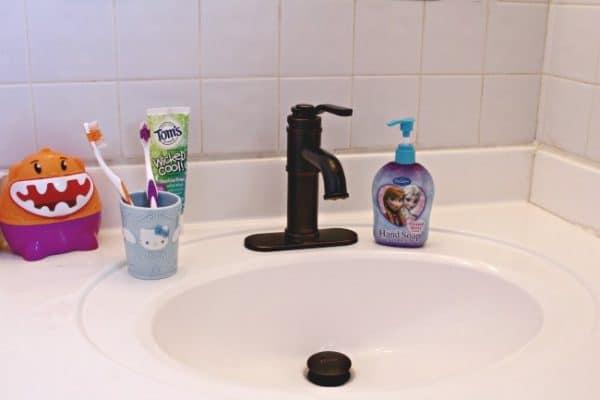 Kids-Bathroom-Sink-600x400