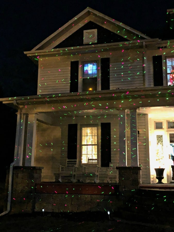 The Easiest Way to Decorate Outside for Christmas - Outdoor ...